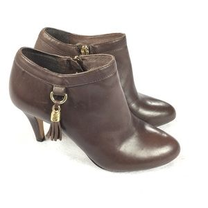 Vince Camuto   Vecka Leather Luxury Bootie